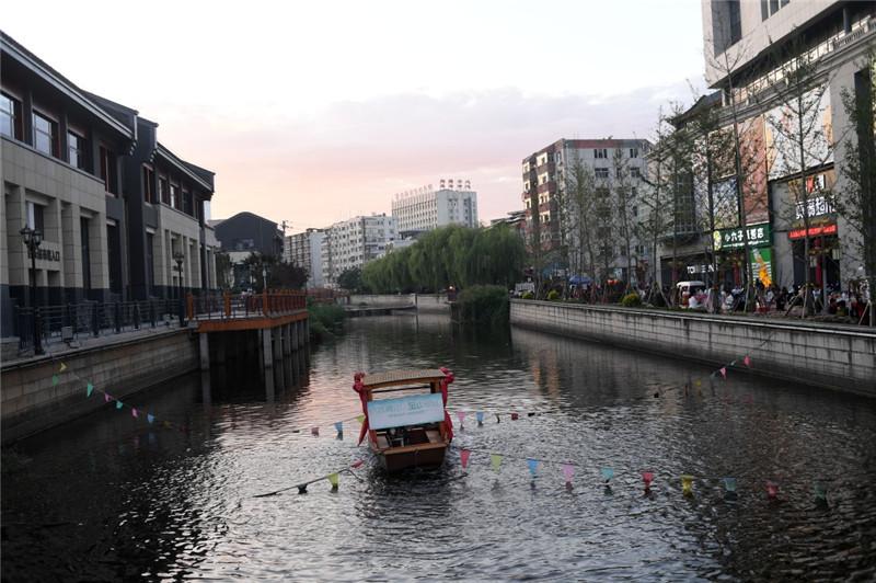 河北承德:整治水环境 旱河换新颜